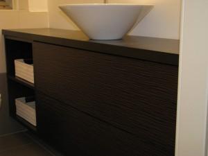 ארון אמבטיה פורניר חום עם כיור חיצוני