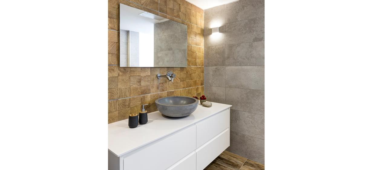 ארון אמבטיה תלוי לבן