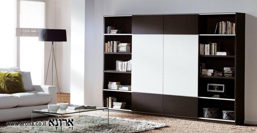 ספריה מעץ לסלון המגורים בעיצוב אישי