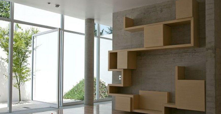 ספריה מעץ מודרנית בעבודת נגרות אישית