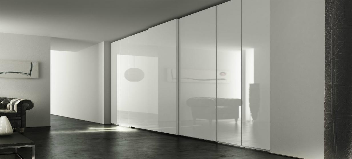 ארון הזזה דגם בריסל חזית מזכוכית לבנה