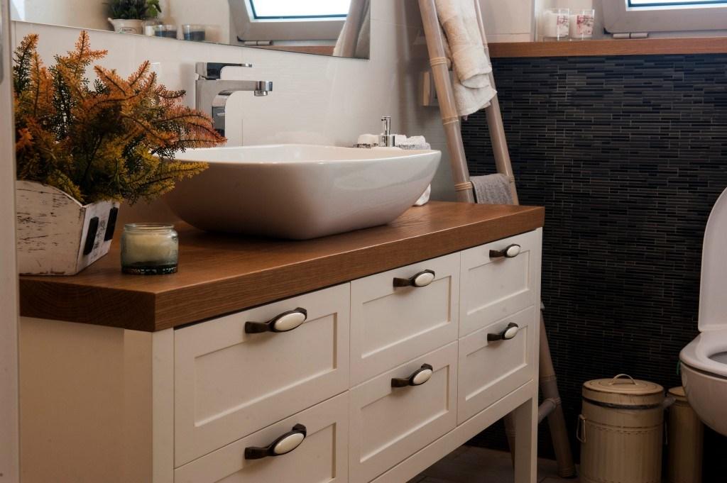 ארון אמבטיה 6 דלתות מודרני